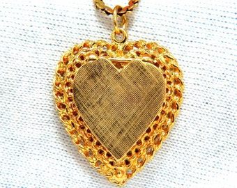 14kt yellow gold locket heart pendant & chain necklace