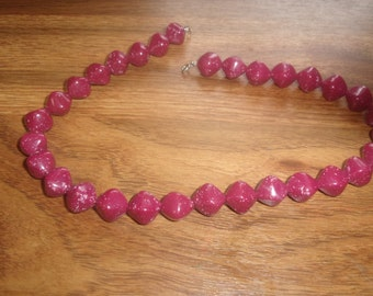 vintage necklace maroon marbled lucite