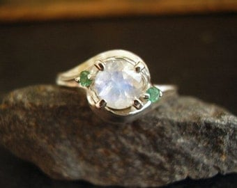 Moon Over Oz - Genuine Rainbow Moonstone & Emerald Ring - Solid 925 Sterling Silver Ring - Alternative Engagement Ring - Unique Women's Ring