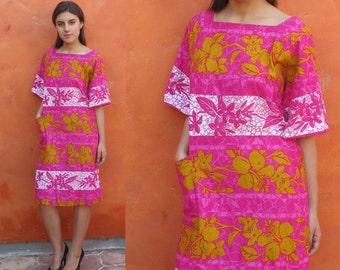 SALE Vintage 1960s mod Barkcloth Tropical Floral Hawaiian Midi Dress. Kiyomi of Hawaii. Pink Gold White Color blocked Casual Day party luau