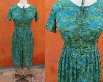 SALE Vintage 1950s 1960s Casual Zip in Swing Dress. Green Turquoise Aqua Abstract pattern. Shelton Stroller