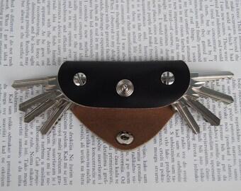 1 - 8 keys, Leather keychain key holder, Holds 1 - 8 regular keys