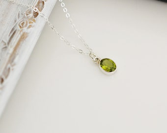 Peridot Necklace, Tiny Peridot Necklace, Bridesmaid Gift, Bezel Set Peridot, Pendent Necklace, Everyday Necklace, Silver Necklace,
