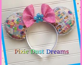 Exclusively Designed It's A Small World Custom Handmade Mºoºuse Ears!!