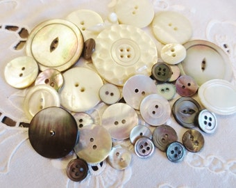 Shell Buttons Assortment Mother of Pearl (34) Off White Gray