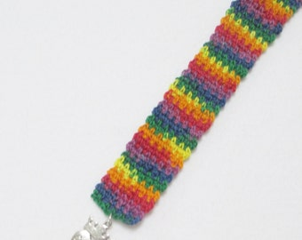 Crochet Queen Charm, Crochet Charm, Free Bookmark Pattern