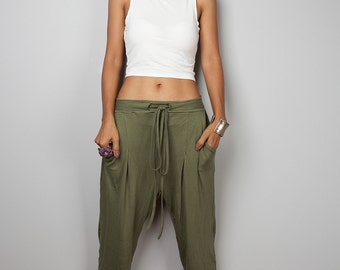 Harem pants / Comfy khaki green long pants classy street style : Urban Chic Collection no.15