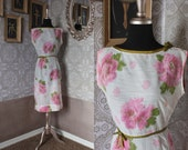 Vintage 1950's 60's L'Aiglon White and Pink Roses Floral Print Fitted Dress Small