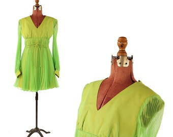 Vintage 1960's Bright Lime Green Pleated Chiffon Empire Waist Mini Baby Doll Mod Party Dress S
