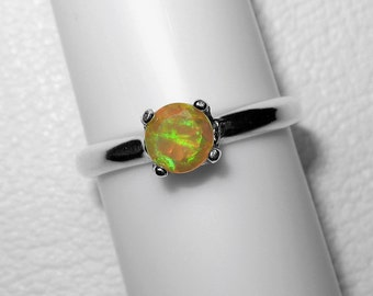 Ethiopian Opal Ring in Silver, 5 mm