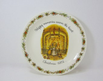 Holly Hobbie Collector Plate - Commemorative Edition - Happy Memories Warm the Heart  Christmas 1972 - Hanging Decorative Plate