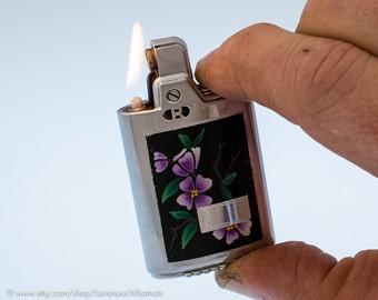 Working 1950s Ronson Capri Pocket Lighter With Art Deco Design