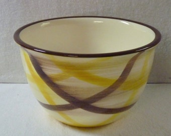 Vernon Kilns Organdie Plaid Eight-Inch Mixing Bowl