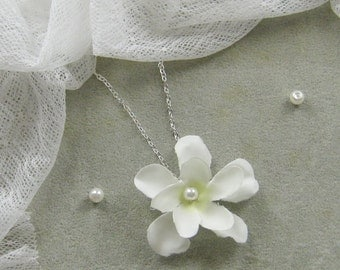 Flower pearl necklace, bridal, bridesmaids necklace, wedding jewelry - W053