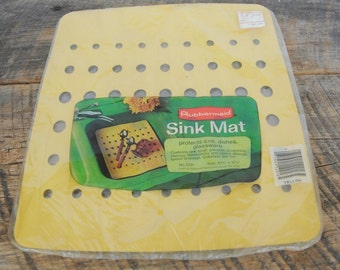 Vintage 1975 Rubbermaid Twin Sink Mat Yellow Color 10 3/4 x 12 3/4