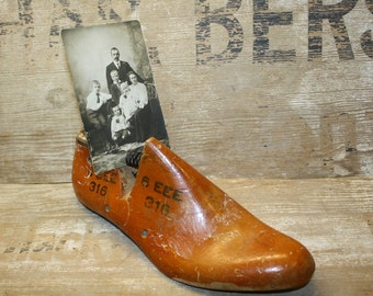 Vintage Shoe Form - Cobbler's Tool - Wooden - Home Decor - Display Item