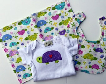 Free USA  shipping, Custom Baby set, Appliqued Turtle onesie and burp cloth set, Turtle Girl, Appliqued turtles, Turtle baby shower