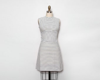 60s Mod Dress. Striped Dress. Vintage Mini Dress. Black White Stripe Day Dress. Fit and Flare Dress. Short Dress. Sleeveless Dress. Small.