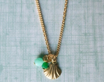Dainty clam necklace gold ant mint, mermaid necklace, shell necklace, dainty necklace, clam jewelry, mint necklace