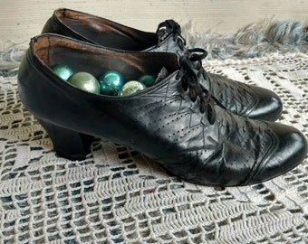Victorian Black Leather 1920's Ladies Shoe With Slight Heel - Art Deco Chunky Heeled Everyday Shoes, Vintage Victorian Leather Shoe Wear