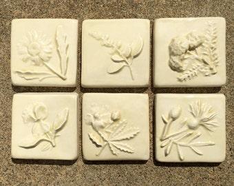 Arts crafts sunflower tile set with borders set 1 for Ceramic tile craft ideas