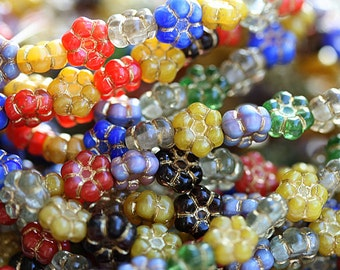Bright flowers mix, 8mm flower beads, czech glass, Red, Yellow, Blue, daisy beads, golden washed - 20pc - 2883