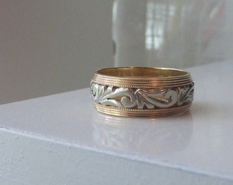 Gorgeous ornate 14k 1930-40s two tone gold carved patterned wide wedding band Size 8