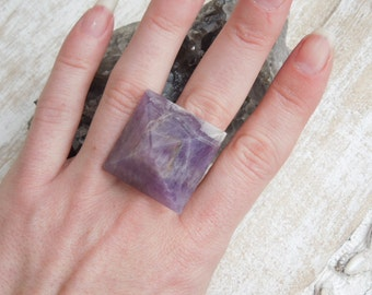 Amethyst Pyramid Healing Ring / Healing Jewelry / Statement Rings