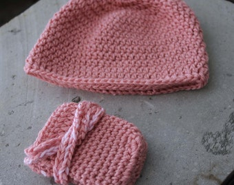 Boys and girls hat and gloves/cord sets for 0-3 months