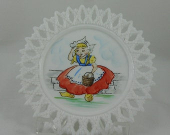 Vintage Lornita Dutch Girl Pointed Lace Milk Glass Plate