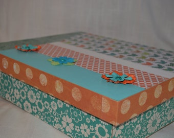 Butterfly and floral Memory or Keepsake Box. An ideal gift for Teens, Tweens, Females of any age.  Use for Room Decor, Favorite Mementos