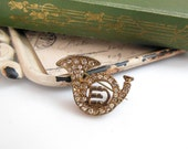 Vintage Rhinestone Antiqued Gold Tone French Horn Instrument Brooch Pin U25