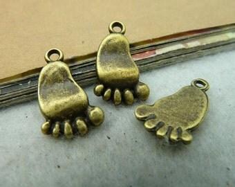 20pcs 10*18mm antique bronze foot charms pendant C2828