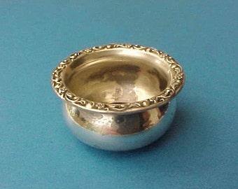 Pretty Little Sterling Silver Salt Dish