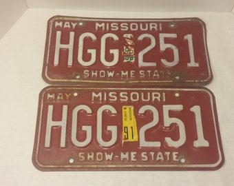 Missouri License Plate HGG251 matching pair, 1981-1991 - automotive, vintage license plate, man cave, garage decor, show me state