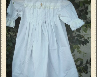 vintage White baptismal gown, vintage white gown, vintage christening gown (3-6 months)