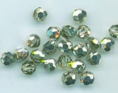 24 gorgeous Swarovski crystals - art 5000 - 6 mm - special color crystal sage