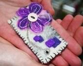 Felted flower brooch - Flower design - geometric flower brooch - white - purple - pink