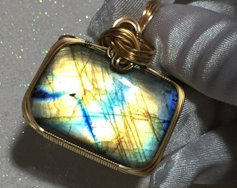 LABRADORITE PENDANT Blues and Golds 14k Yellow Gold Fill w/necklace 92ct 25388