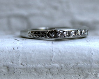 Art Deco Vintage 18K White Gold Diamond Channel Wedding Band - 0.21ct