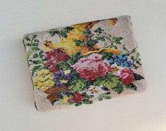 Vintage beaded clutch, envelope purse with beaded floral pattern