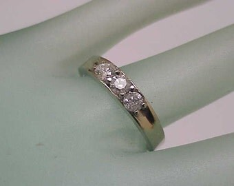 Estate Vintage  .75ct 3-stone Old Mine Cut  Diamonds  Wedding Band 10kt White  Gold  Ring, 1930s