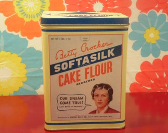 1990s Kitchen Tin Betty Crocker Gold Metal Flour General Mills Bristolware