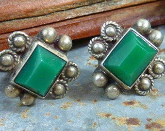 GREEN ONYX MEXICAN Sterling  Taxco vintage screw back earrings
