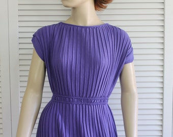 Vintage Dress Purple 1950s Size XS/Small Pleated Soft