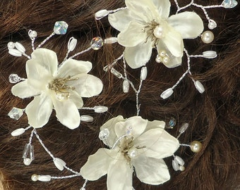 Ivory Flower Pins, Set of 3, Mini Flower Pins, Flower Hair Pins, Wedding Accessory