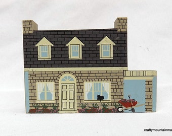 Playhouse, 1997 Cats Meow Collectors Club Gift Accessory
