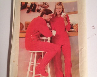 Butterick 3506 Sewing Pattern Misses Front Zippered Footed Pajamas Size 8-18