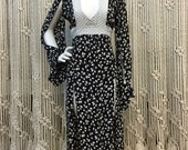 Adorable designer Anna Sui 1990's rayon black and white floral romantic dress sith dramatic slits