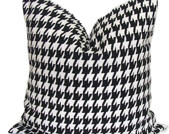 BLACK HOUNDSTOOTH PILLOWS, Black Pillow Covers, All Sizes, Black Decorative Pillow, 18x18, 16x16, 22x22, 26x26 and more, Black Cushion, Sham